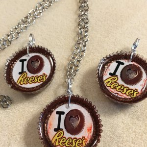 Reese's necklace chain