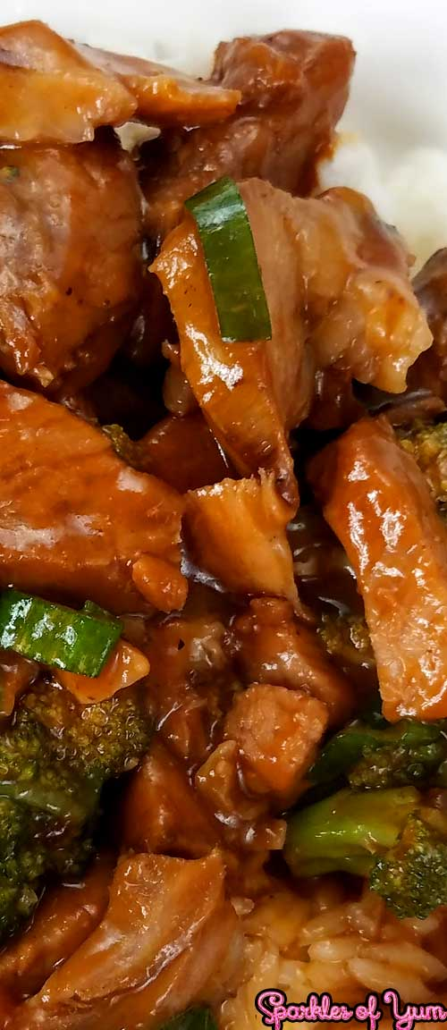 Roast Pork and Garlic Sauce is one of those weeknight dinners that's quick, easy, and can use up leftover pork roast which is very budget friendly as well.  #asianrecipe #porkrecipe #easyrecipe