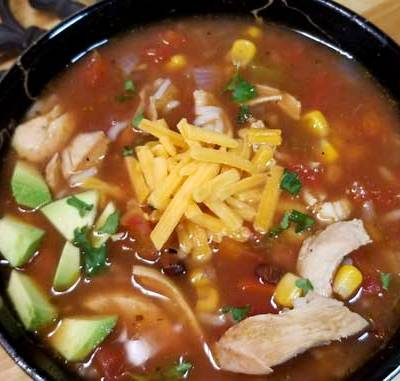 Skinny Chicken Fajita Soup Recipe - Yum! This Skinny Chicken Fajita Soup is so good I could make a habit of making this weekly. There is so much flavor you won't believe that it's so good for you!