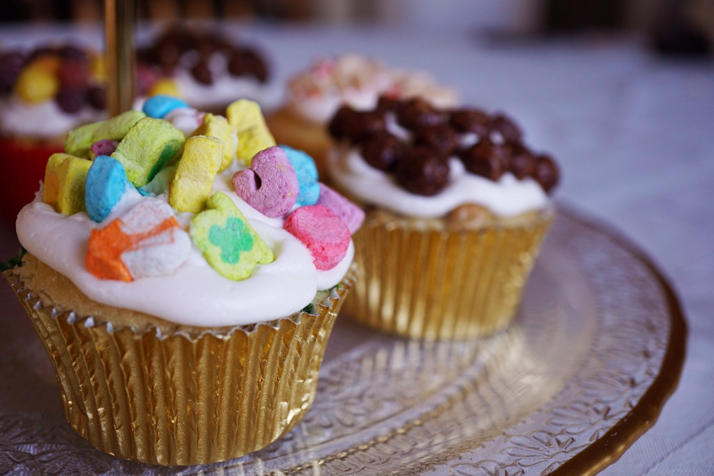 Lucky Charms Cereal Cupcakes