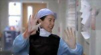 Tragedie ne abbiamo in Grey's Anatomy? Oh si, a bizzeffe. Questa è una delle prime: Meredith estrae una bomba dal corpo di un uomo pochi minuti prima che esploda.