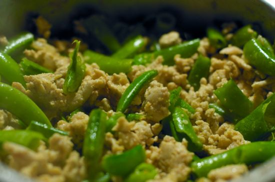 Ground Turkey with Snow Peas Recipe | SparkRecipes