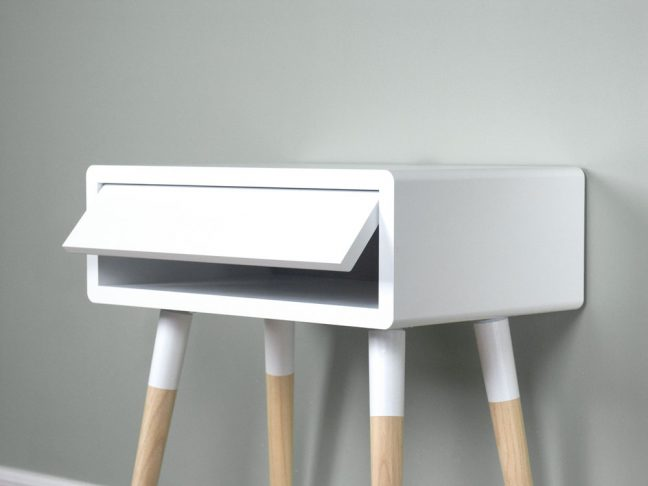 Scandinavian Design Nightstand Table, White