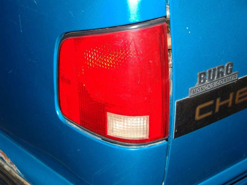 This 1995 chevrolet s10 came in with the complaint that the dash illumination lights do not work the customer drives a good bit at night and does not want