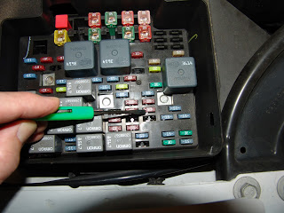 DSC04801?resize=320%2C240 sparkys answers hvac actuator recalibration procedure for gm GM Ignition Fuse Box Connector at alyssarenee.co