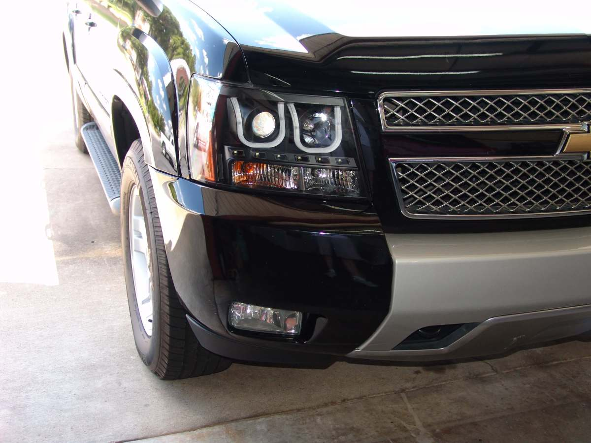 This 2008 Chevrolet Avalanche came in with the complaint that the right  front turn signal did not work. This article applies to Avalanche,  Escalade, ...