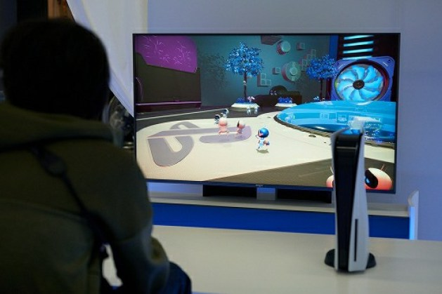 PlayStation 5 Review: Playing Astro's Playroom