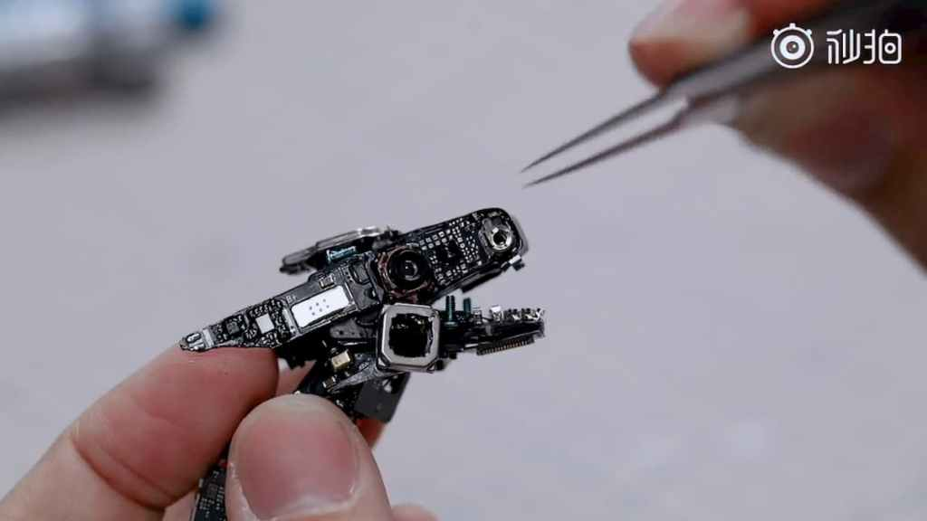 Mi 11 Special disassembly Video: Turns Into A Mechanical Dragon