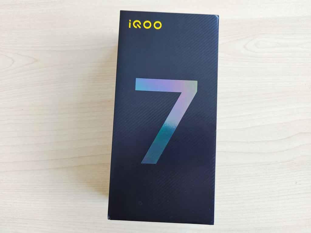 iQOO 7 box
