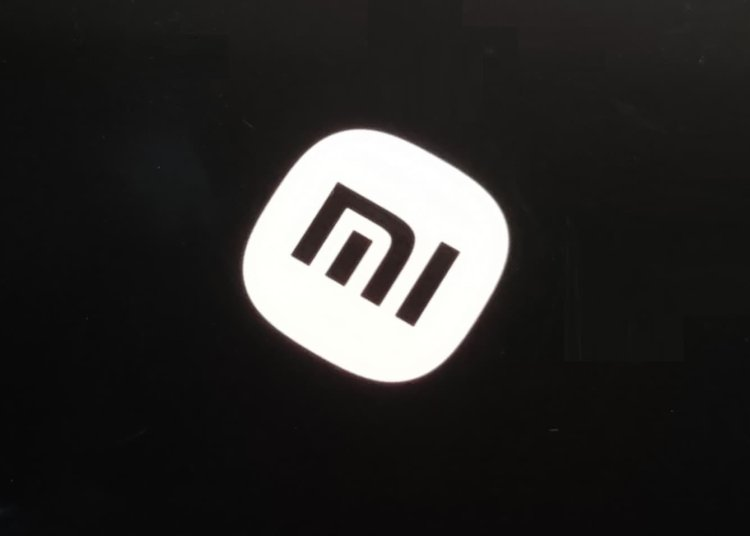 New MIUI Photo Album App, System-Wide Incognito Mode, and Boot Logo