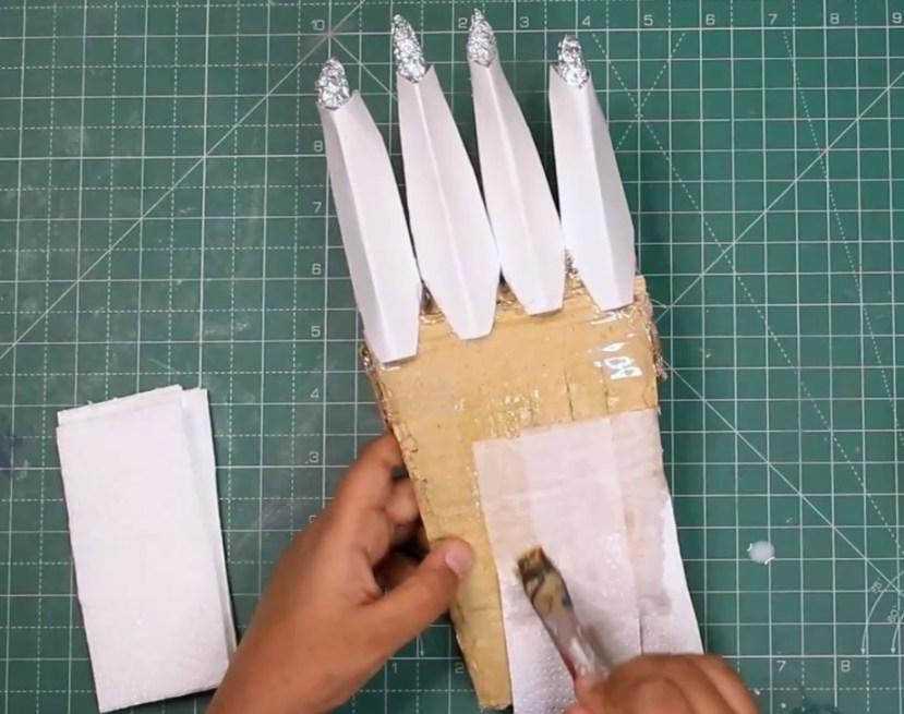 Make Black Panther Claws with Cardboard