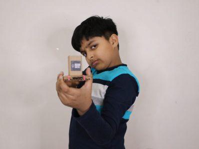 How to make a mini gun with cardboard