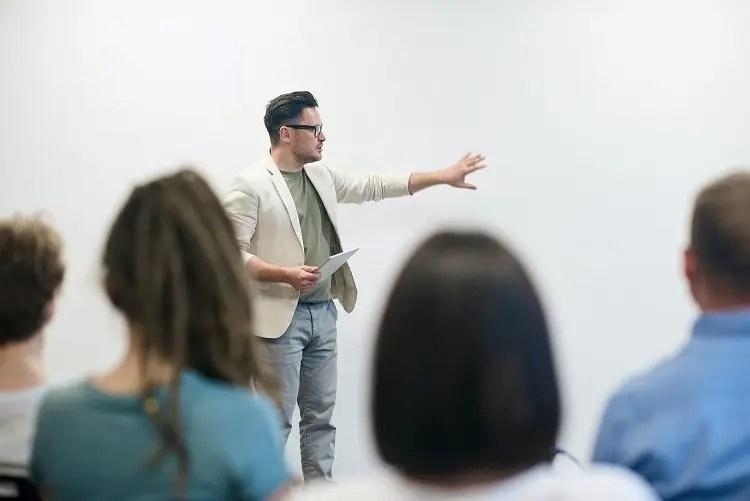 traditional sales training - SPARXiQ