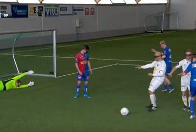 Fußballspielen mit einer VR Brille