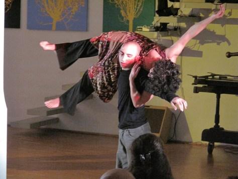 danza-contact-improvisation-federicapaola-capecchi