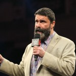 WWE SPOILER RAW: Mick Foley elogia un segmento di Raw