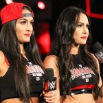 WWE: Le Bella Twins sfidano The Kardashians in un tag team match