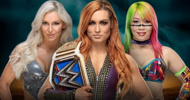 WWE: Ric Flair commenta Asuka vs Charlotte Flair vs Becky Lynch
