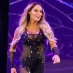 WWE: Da quando la WWE vuole proporre Charlotte Flair vs Trish Stratus?