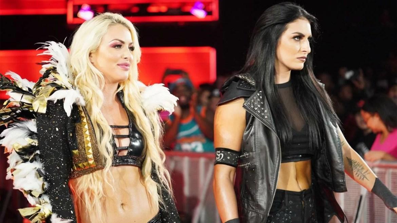 WWE: Sonya Deville posta una foto con Mandy Rose la prima dopo la loro rivalità