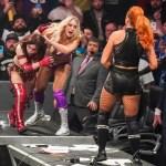WWE RUMOR: Charlotte Flair e Becky Lynch sono state incolpate dell'infortunio di Kairi Sane?