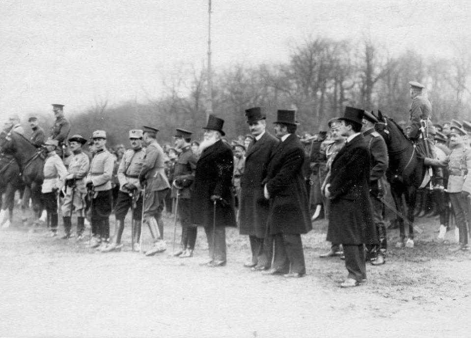 08. Союзные министры и иностранные атташе на параде войск