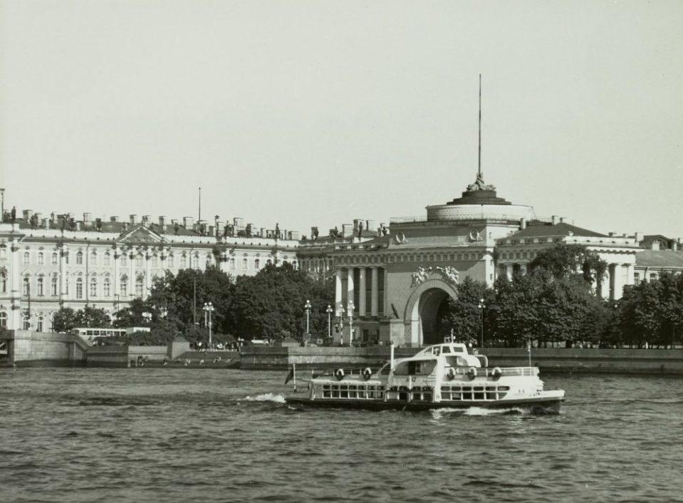 1969. Пассажирский корабль