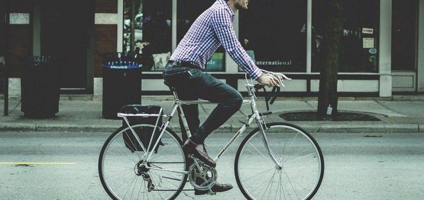 man, bicycle, ride-731492.jpg
