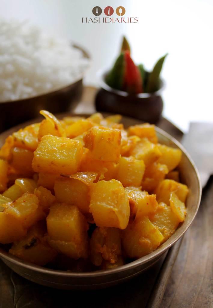 Aloo Peyaj Posto Bengali Vegetarian Recipe