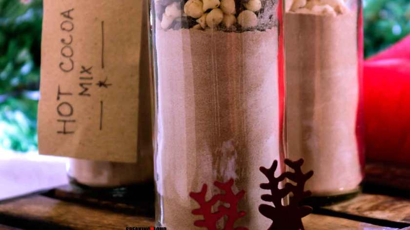 homemade dry hot cocoa mix in glass jars for christmas edible gifts