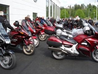 Uppsittning för att köra i kortege till hotell Bogesund i Ulricehamn