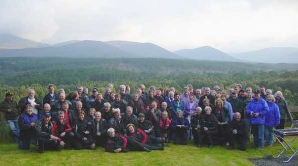 Dessa medlemmar ur SPEC fick avnjuta Skotska Pan-Clan's gästfrihet.