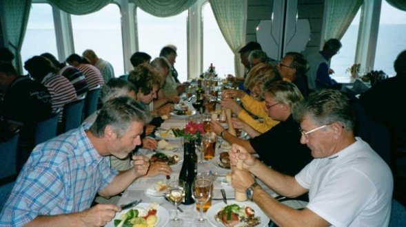 Middag på färjan mot Göteborg.