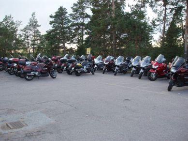 Tillbaka vid Hotell Sigtunahöjden och Pannorna tryggt parkerade.