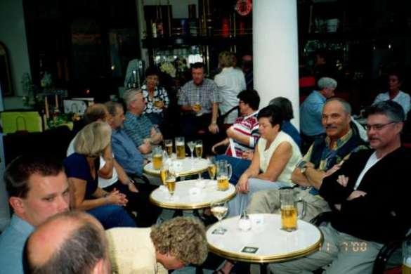 Happy hour på hotellet i Bad Widungen där alla träffades innan middagen.