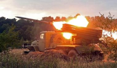 Tempered in Battle: Top 5 Longest-Serving Weapons in Russian and US Arsenals