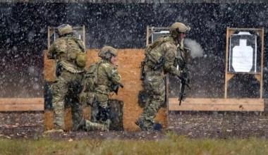 Green berets conduct training at shooting range