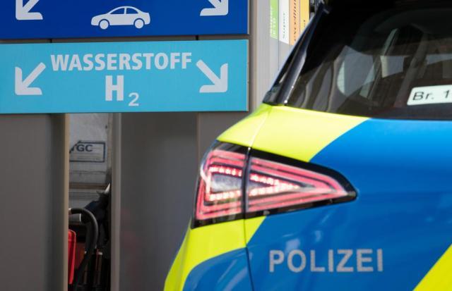 Police with hydrogen patrol car