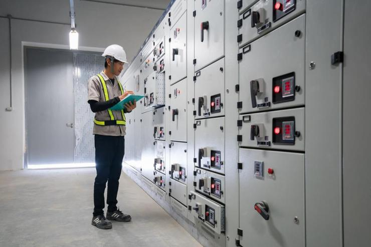 AI and IoT can help detect problems early and reduce downtime.