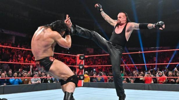 The Undertaker's Return Is One Big Step Backward For WWE