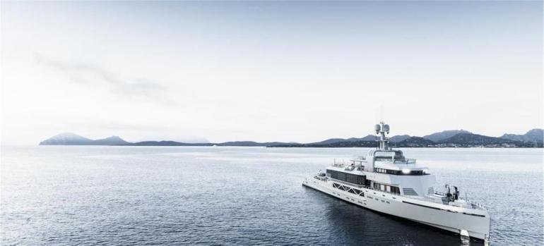 BOLD by the Australian Silver Yachts shipyard