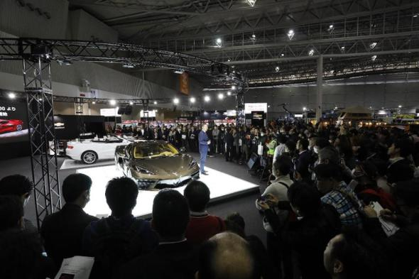 GM Japan president Tadashi Wakamatsu conducts press conference introducing the new Vette to Japan's media and car fans.
