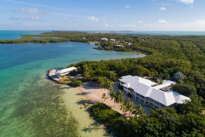 Oceanfront estate in Key Largo