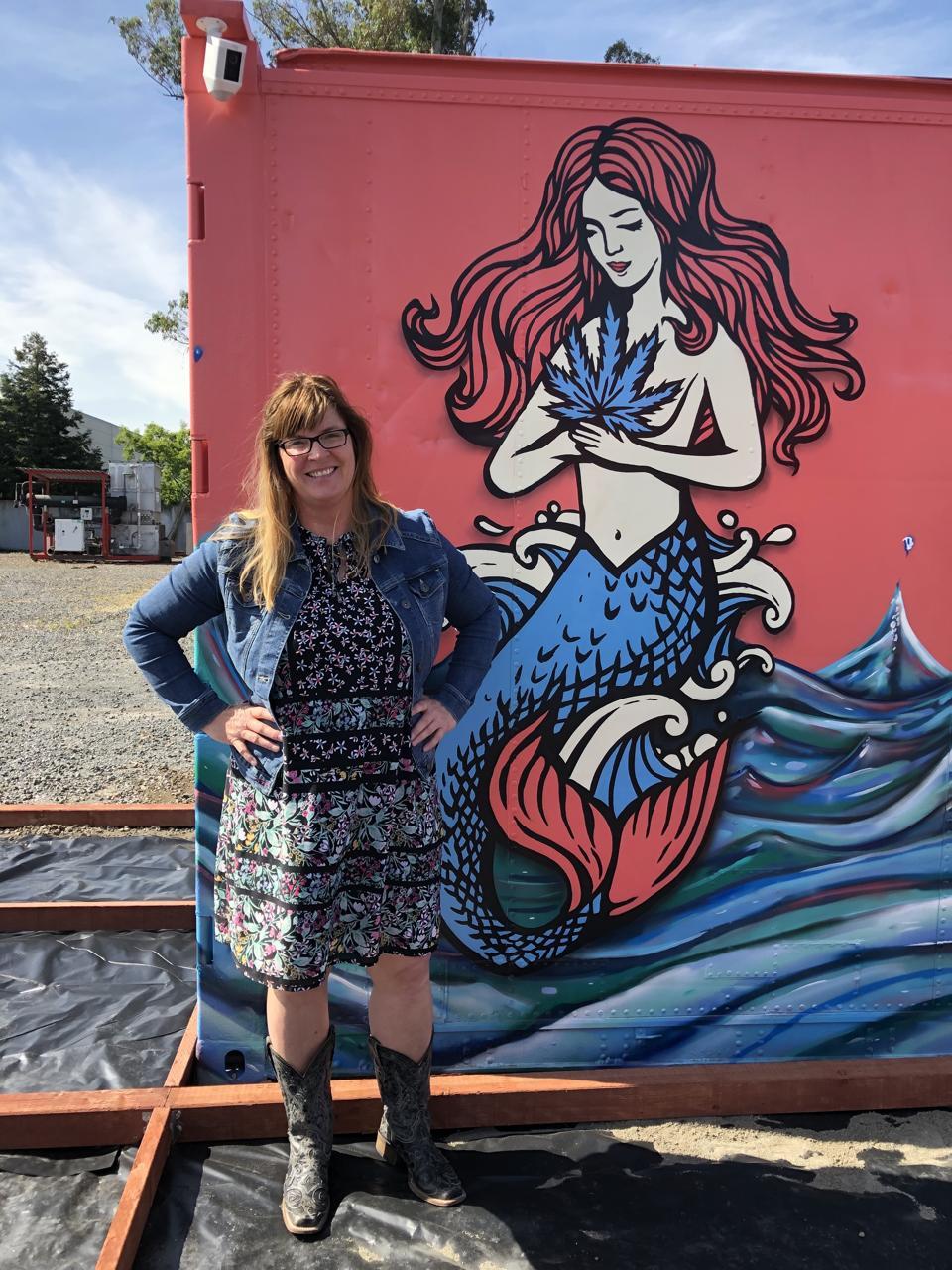 Annie & Pearl the Mermaid