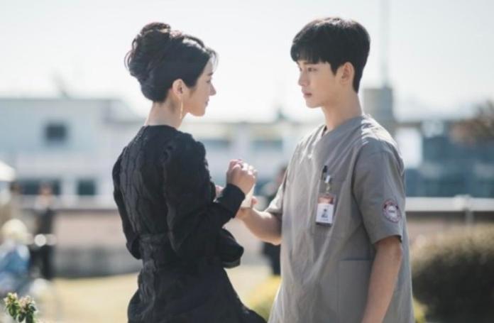 Seo Ye-ji and Kim Soo-hyun instantly connect in 'It's Okay Not To Be Okay.'