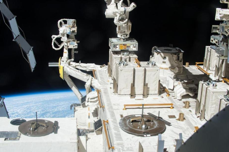 The bacterial exposure experiment took place from 2015 to 2018 using the Exposed Facility located on the exterior of Kibo, the Japanese Experimental Module of the International Space Station.