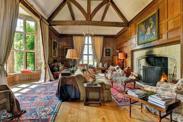 The vaulted drawing room