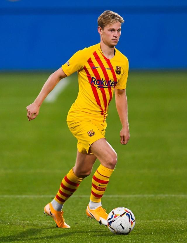 Frenkie De Jong Impresses In New Position At Start Of FC Barcelona's Koeman  Era