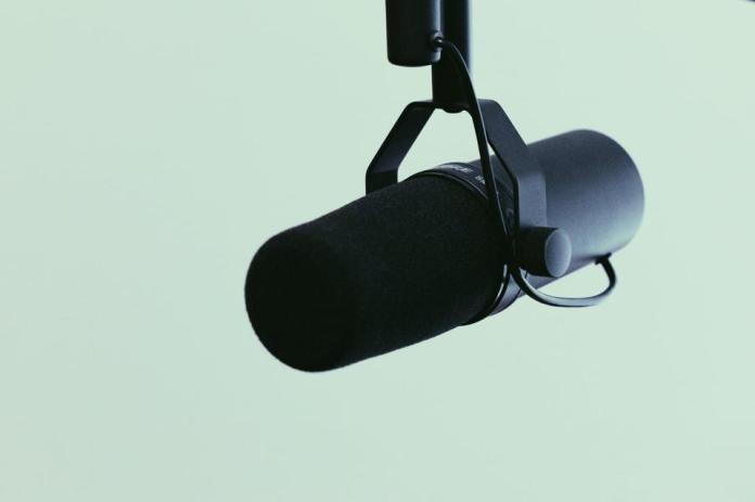 Podcasting is growing fast. Now Twitter has bought a podcasting platform: Breaker.