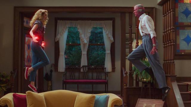 Elizabeth Olsen and Paul Bettany in 'WandaVision'